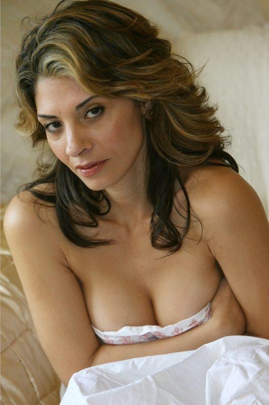 Femme mature très sensuelle